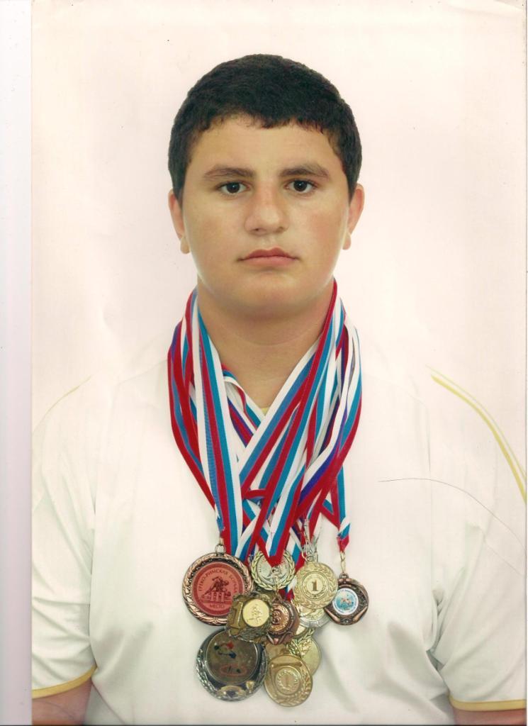 Есаян Генрик